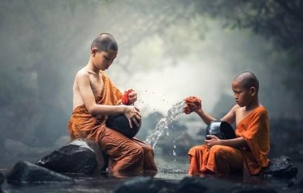 2 kids buddhist-